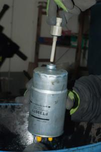 Sensor herausnehmen Kraftstofffilter