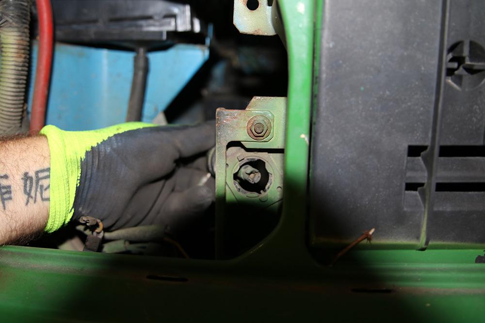 Stecker Leuchtweitenregulierung an Scheinwerfer