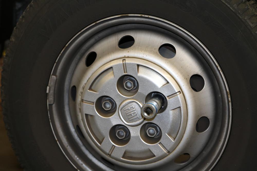 Reifen abmontieren am Ducato Typ X250