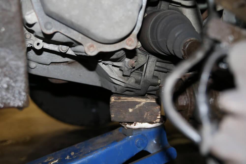 Getriebe mit Wagenheber ablassen - Ducatoschrauber