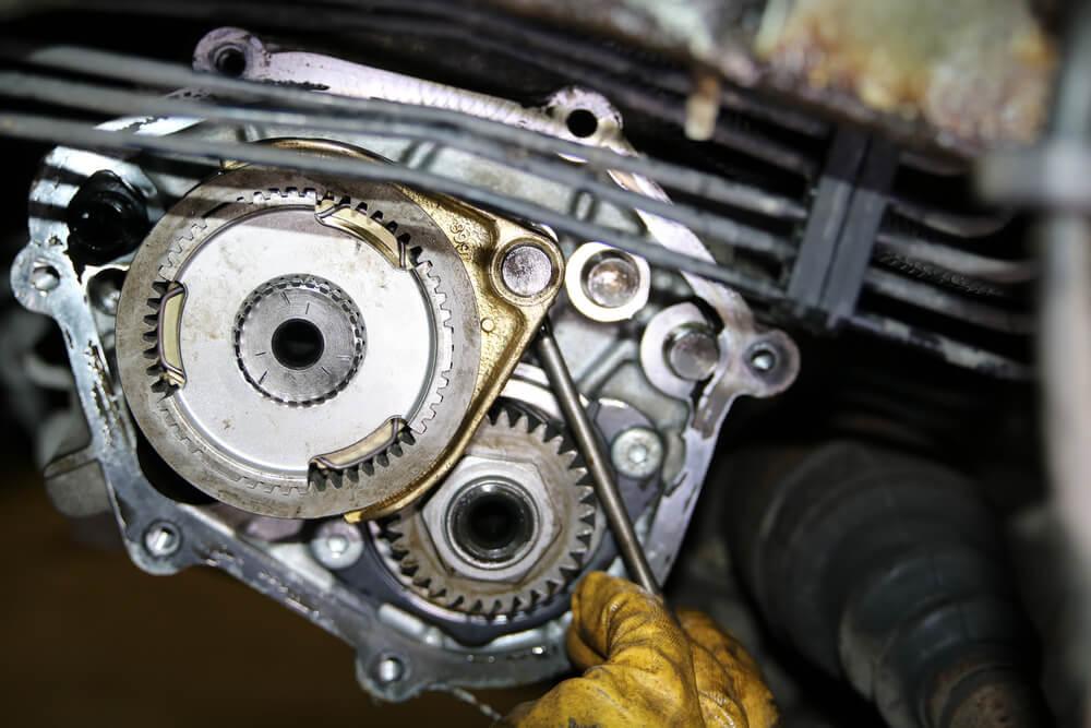 Sicherungsstift an der Synchronisation fünter Gang - Ducatoschrauber