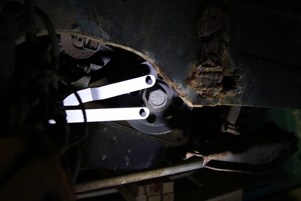 Gegenhalter Kurbelwelle - Zahnriemen wechseln Fiat Ducato Typ 290 - ducatoschrauber.de