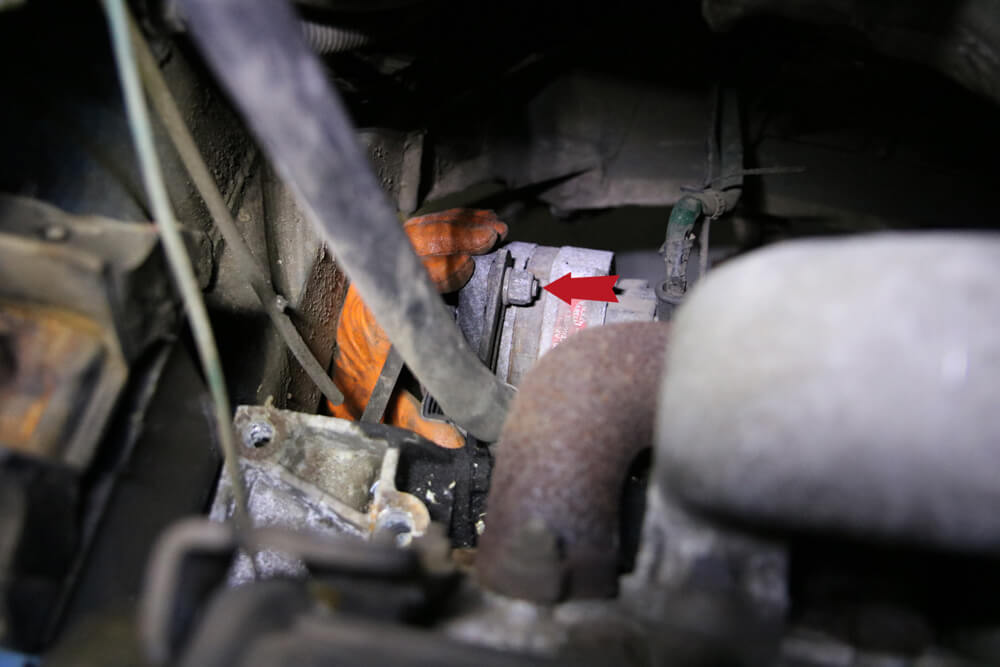 Lichtmaschine lösen - Zahnriemen wechseln Fiat Ducato Typ 290 - ducatoschrauber.de
