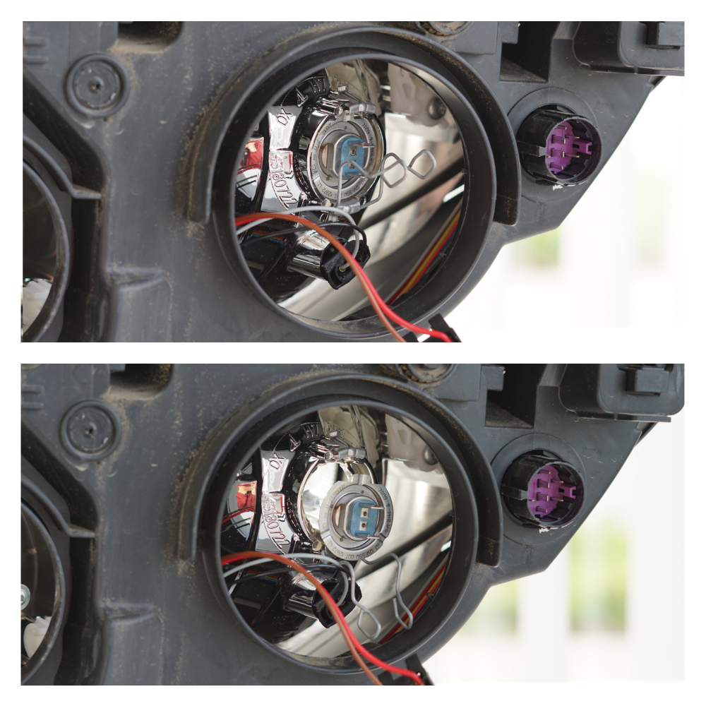 Zwei Fotos, auf denen die beiden Klammern, die den Sockel mit der Glühbirne halten, nach unten gedrückt sind.