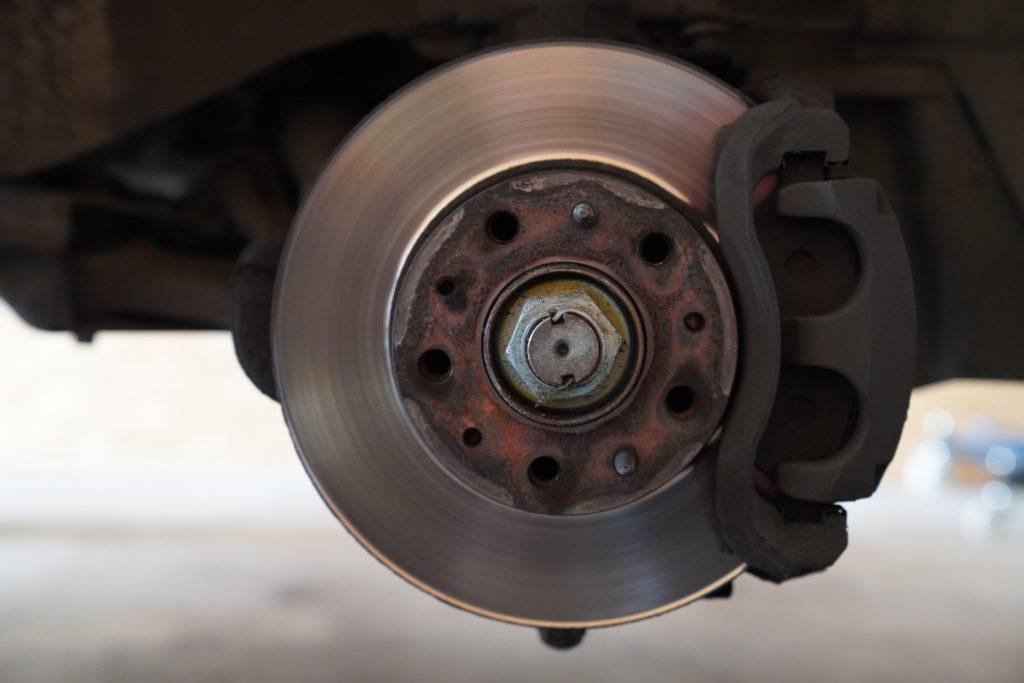 Detailaufnahme einer Bremsscheibe vorne rechts am Ducato 250.