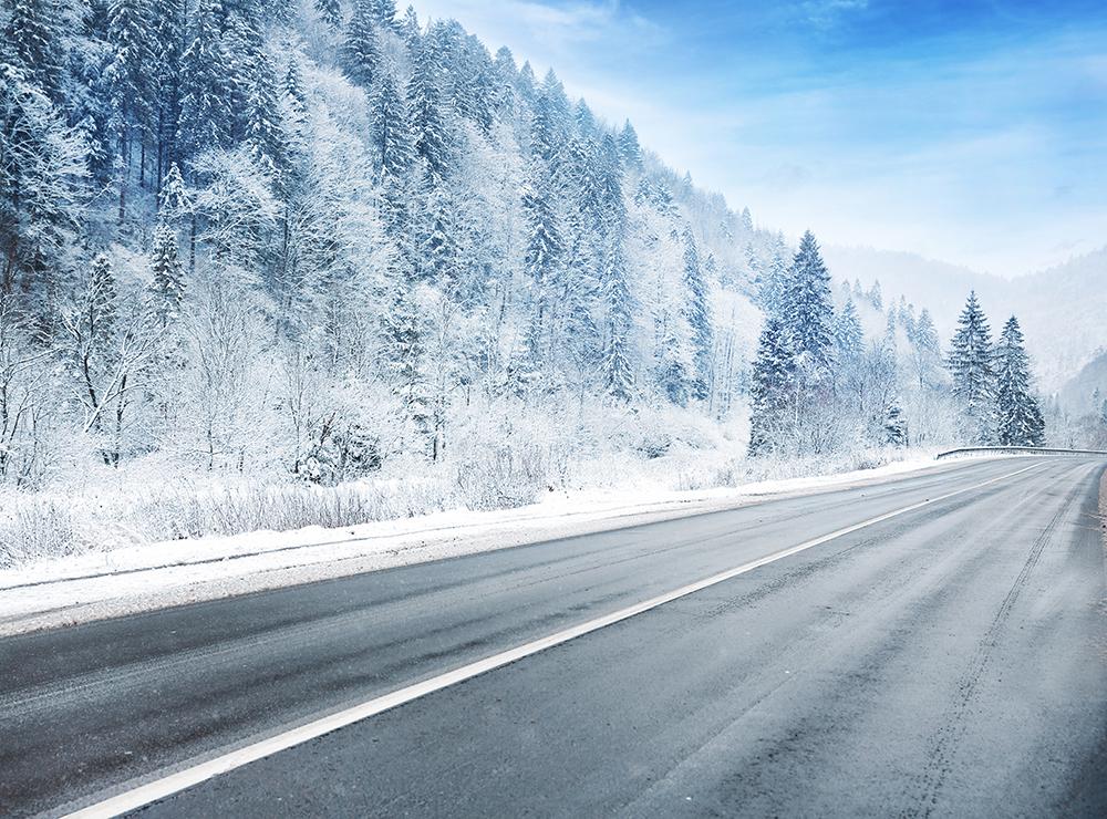 Wintercamping in den Alpen: Mit dem Wohnmobil ins Schneevergnügen